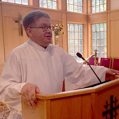Kevin Laskowski preaching at Holy Cross Dunn Loring, Virginia